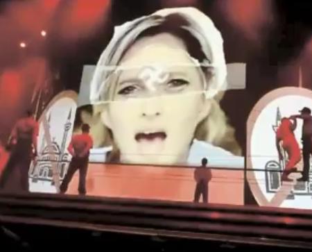 """Фото с шоу Мадонны """"MDNA"""""""