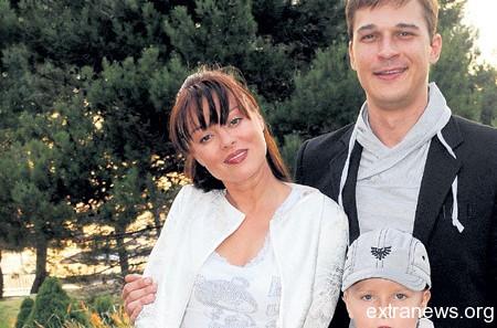Наталья Громушкина с мужем Ильей Оболонковым и сыном Гордеем