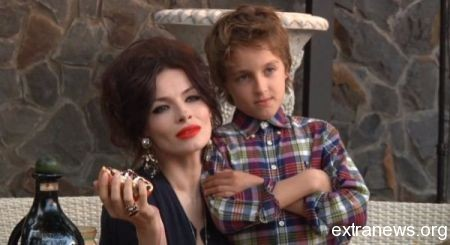 Надежда Мейхер с сыном Игорем