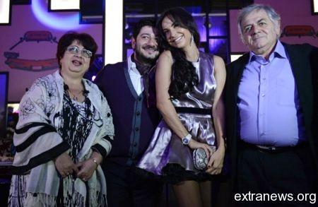 Михаил Галустян со своей семьей