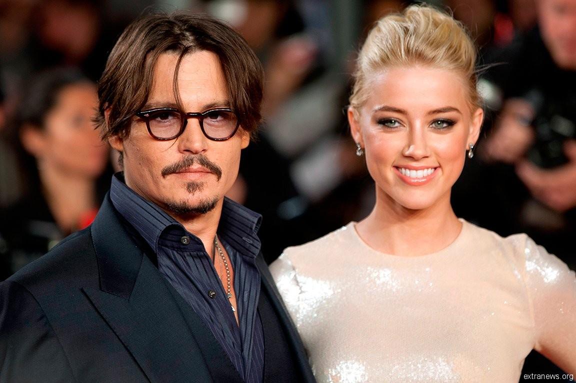 Голливудский актер Джонни Депп решил улететь вместе с первой женой от всех проблем на собственный остров на Багамах