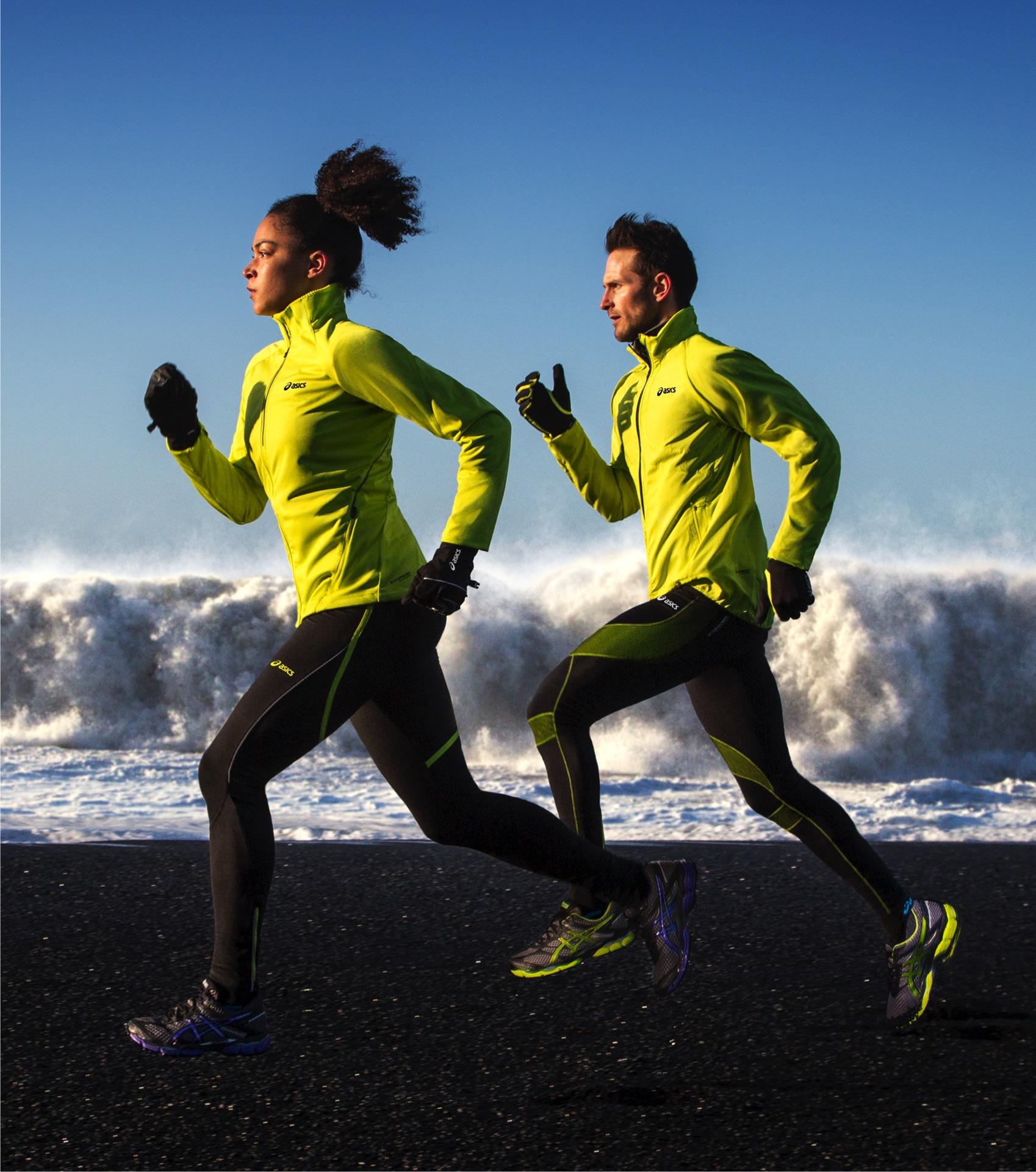 Правильно подобранная одежда для бега сделает этот вид спорта настоящим удовольствием.